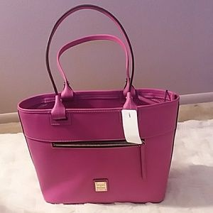 Dooney & Bourke Magenta Beacon zip tote